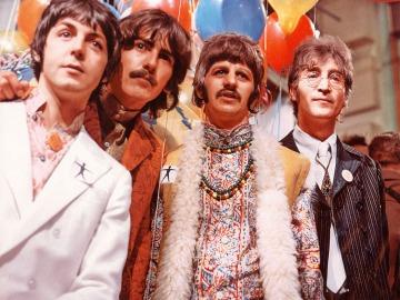 The Beatles en su periodo más lisérgico y psicodélico de 1968 durante la transmisión de One World